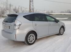 Аренда Toyota Prius Alpha 2015 в Красноярске